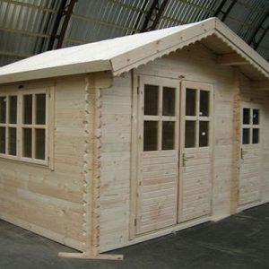 Basilicata la casa da giardino in legno con 2 ambienti separati